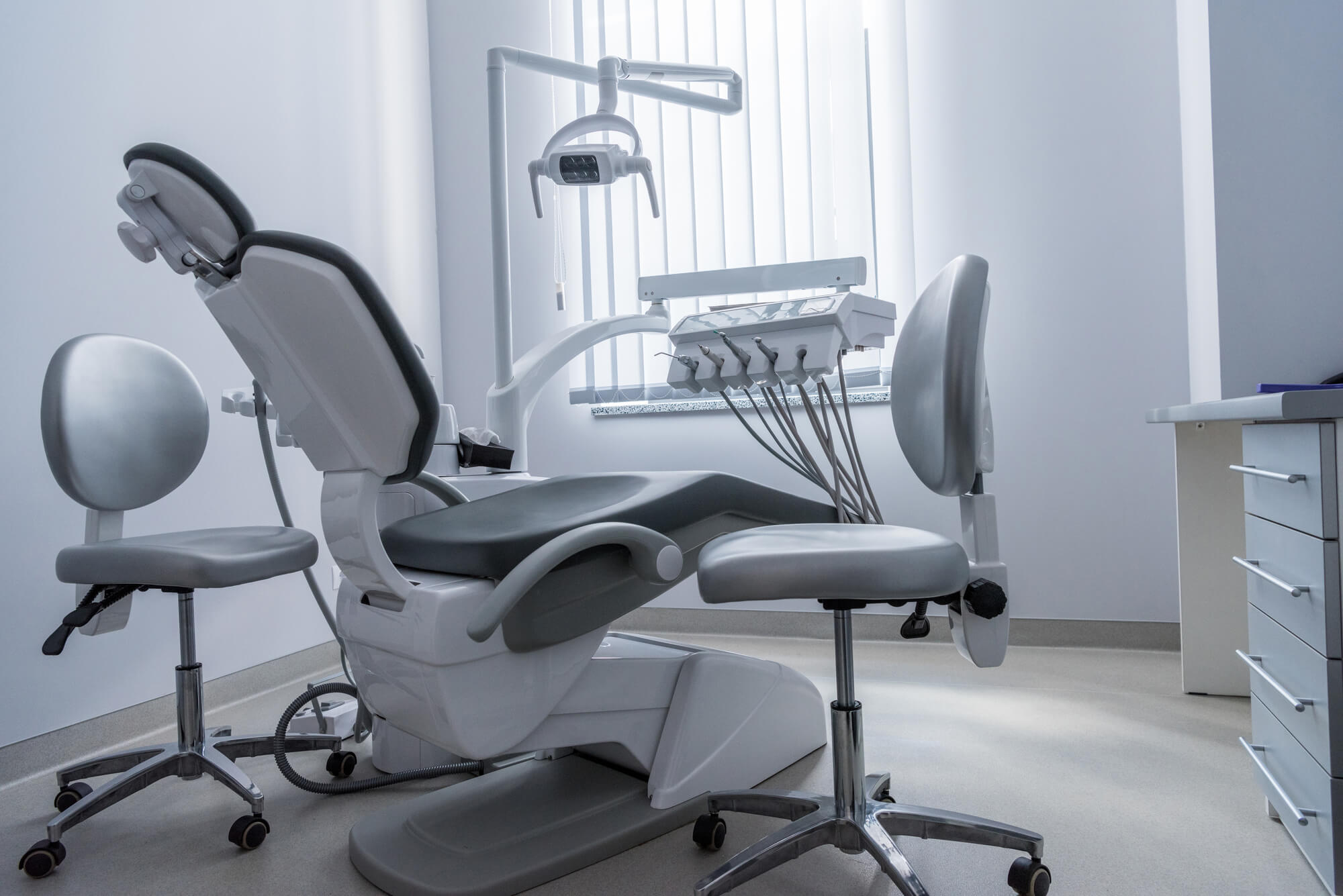 dental office with no patent and dentist in Tamiami